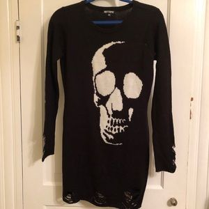 hot topic distressed skull girls sweater